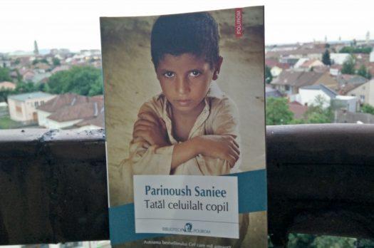 """""""Tatăl celuilalt copil"""" – de Parinoush Saniee"""